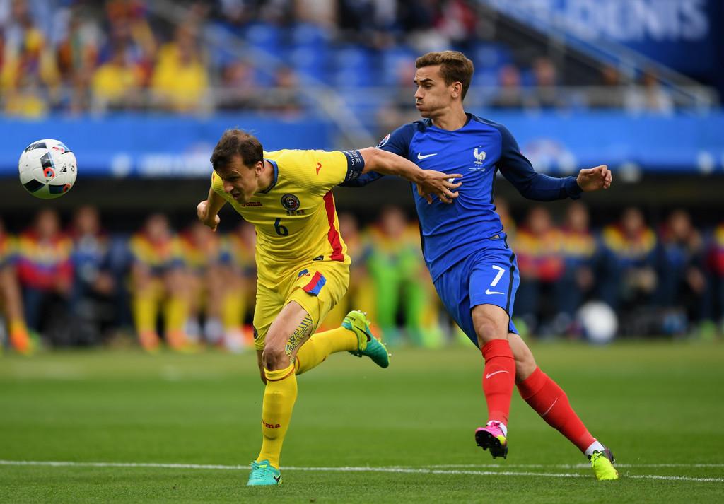 Евро-2016: состоялся матч-открытие между сборными Франции иРумынии